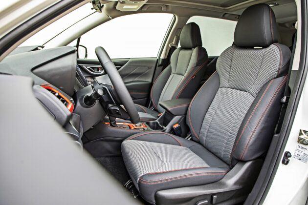 Subaru Forester - fotele przednie