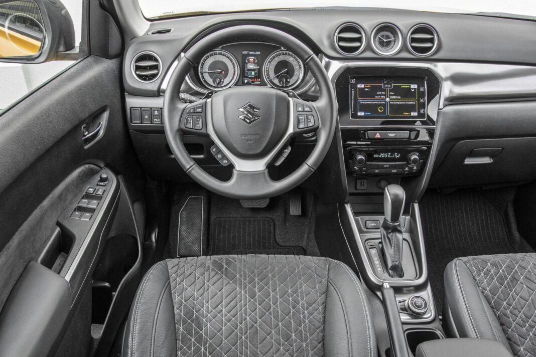 Suzuki Vitara - deska rozdzielcza