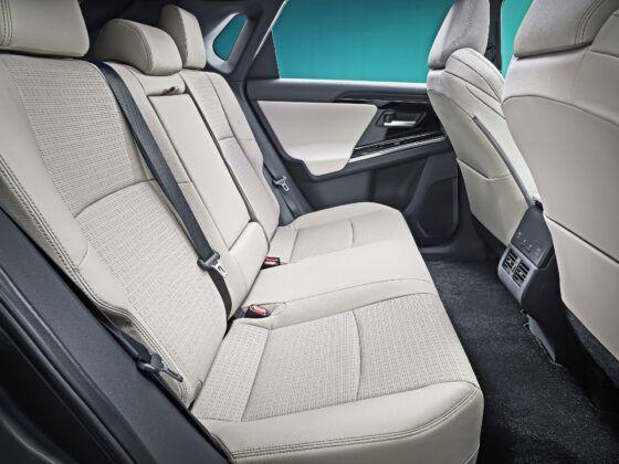 Toyota bZ4X Concept - tylna kanapa