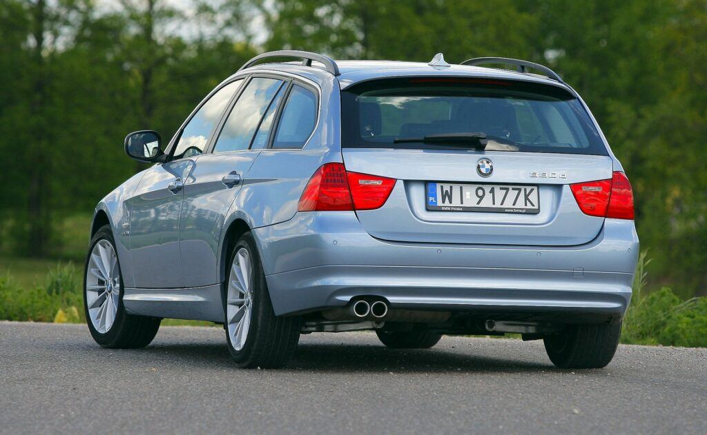 BMW 330d E91 FL Touring 3.0d R6 245KM 6AT xDrive WI9177K 05-2009