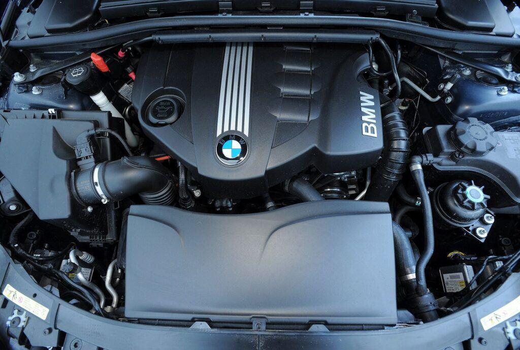 BMW 320d E90 FL 2.0d 177KM 6AT xDrive WI2779K 01-2009