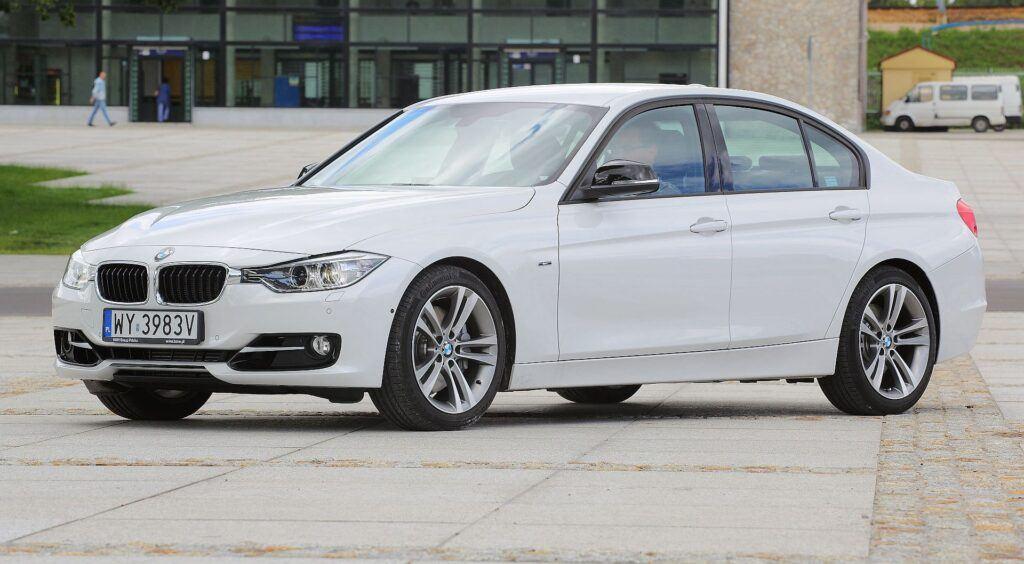 BMW serii 3 F30 (3)