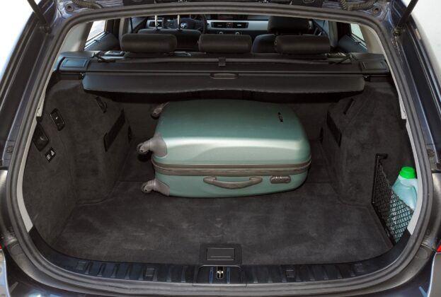 BMW 318d E91 Touring 2.0d 143KM 6MT WI5436J 08-2008