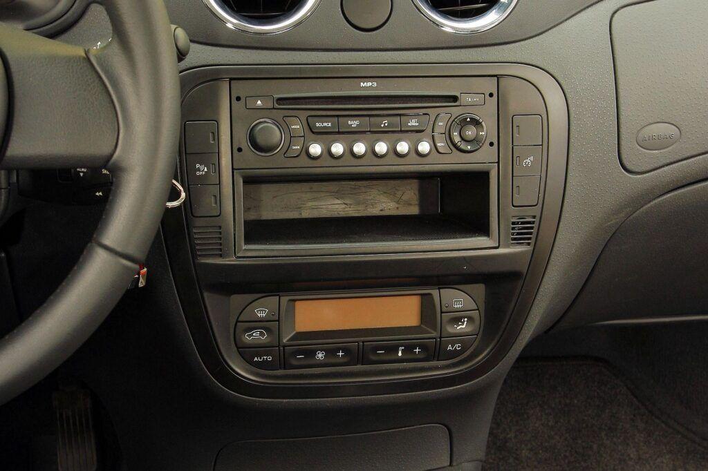 Citroen C2 radio