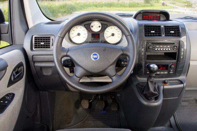 Fiat Scudo Citroen Jumpy Peugeot Expert deska rozdzielcza (5)