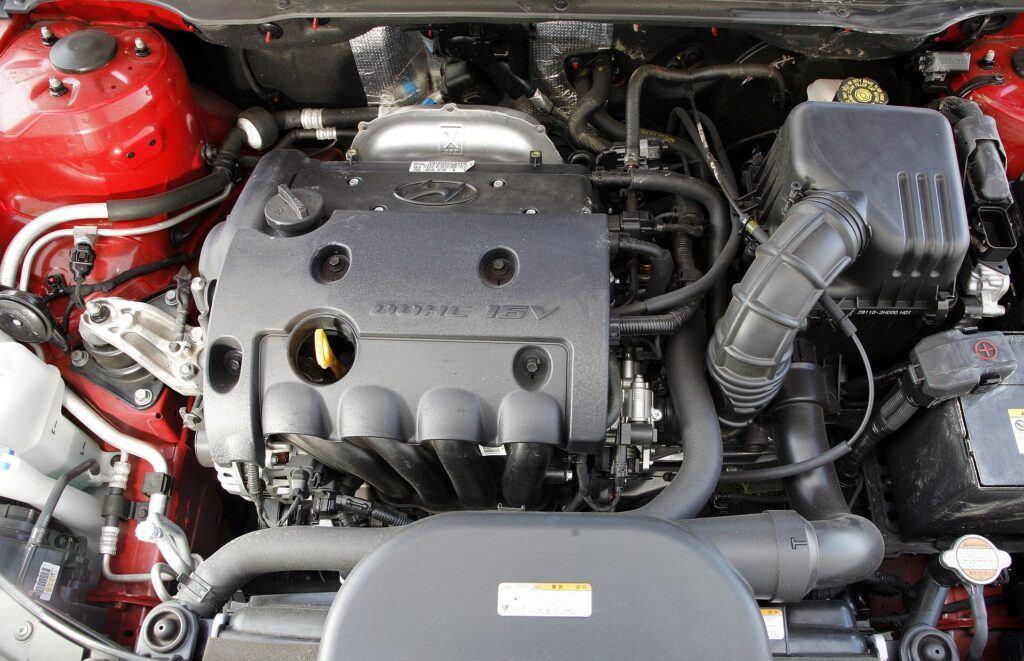 HYUNDAI i30 I 1.6 DOHC 16V 122KM 5MT WN77136 09-2007