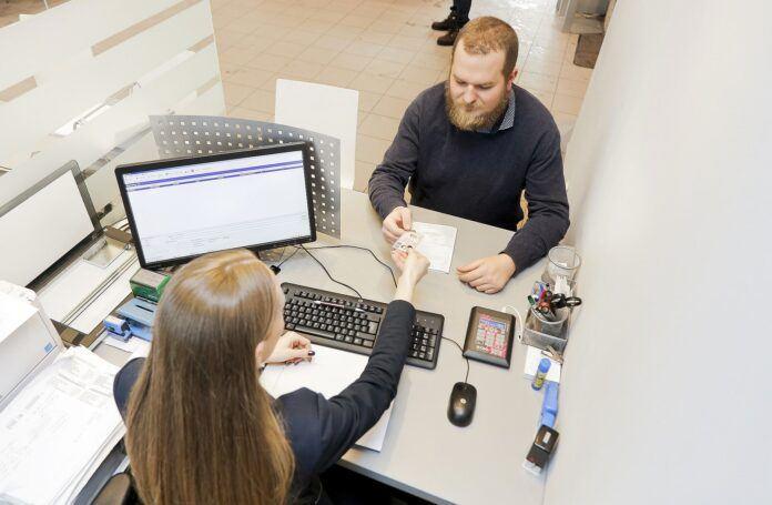 Jak sprawdzić status prawa jazdy