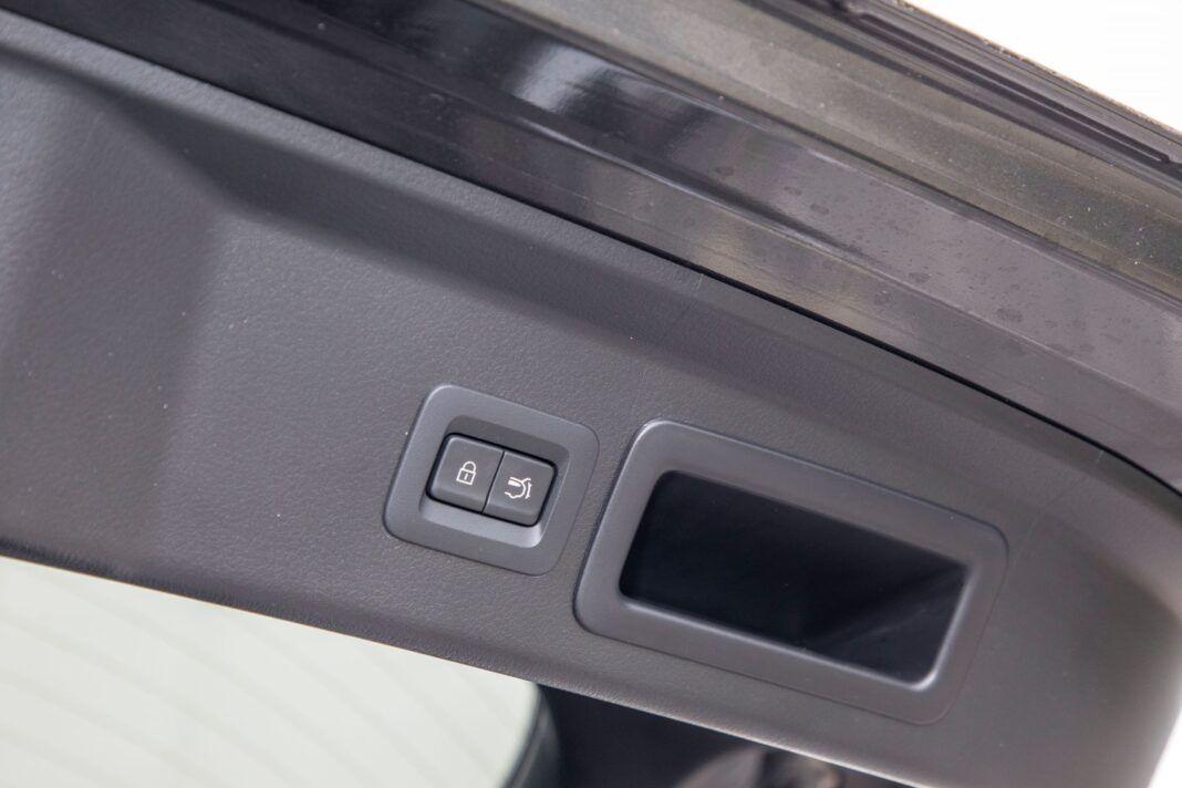 Mazda CX-30 - elektrycznie sterowana pokrywa