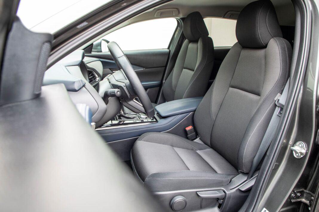 Mazda CX-30 - fotel