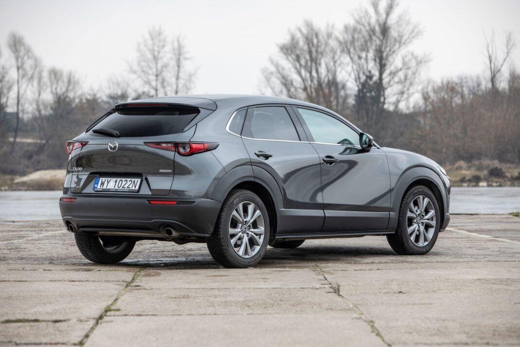 Mazda CX-30 - prawy tył