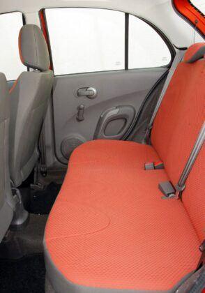 Nissan Micra K12 kanapa