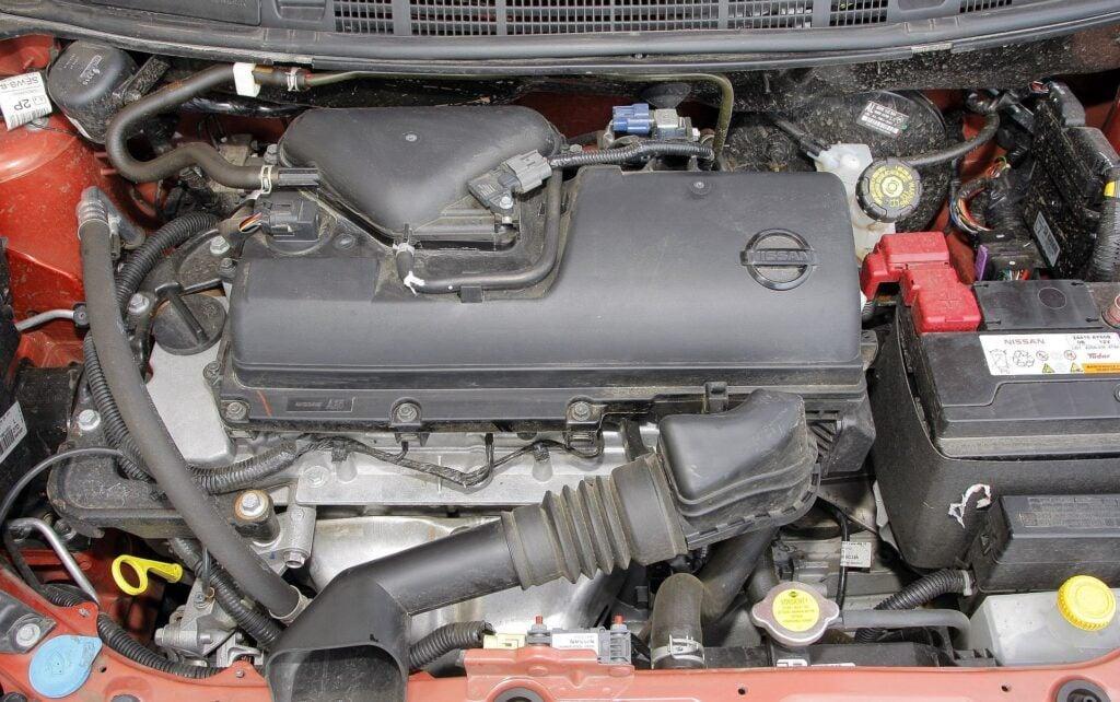 Nissan Micra K12 silnik