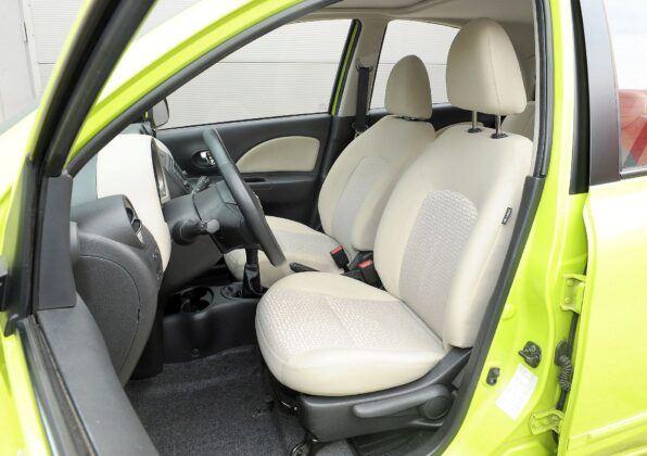 Nissan Micra K13 kanapa