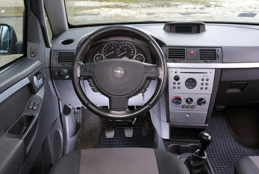 Opel Meriva A deska rozdzielcza