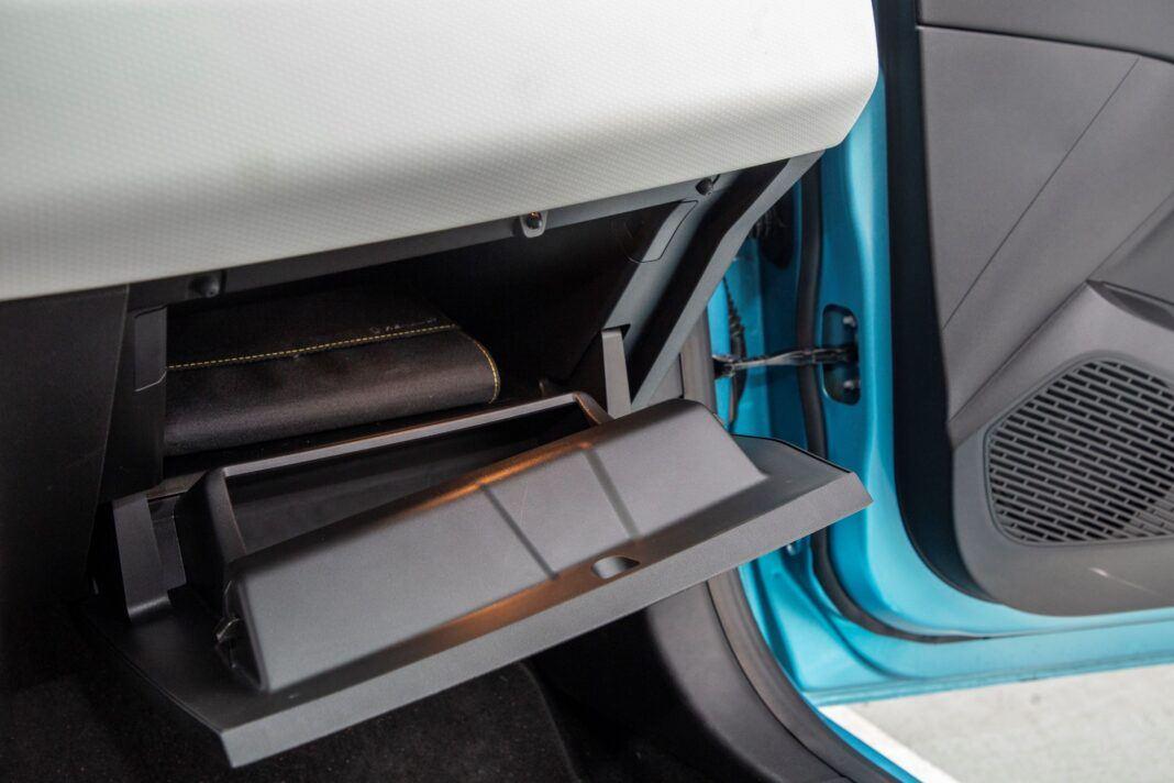 Renault Clio - schowek
