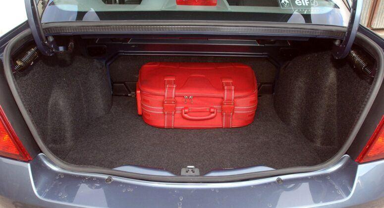 Renault Thalia I bagażnik