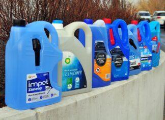Test zimowych płynów do spryskiwaczy. Ranking produktów ze stacji benzynowych