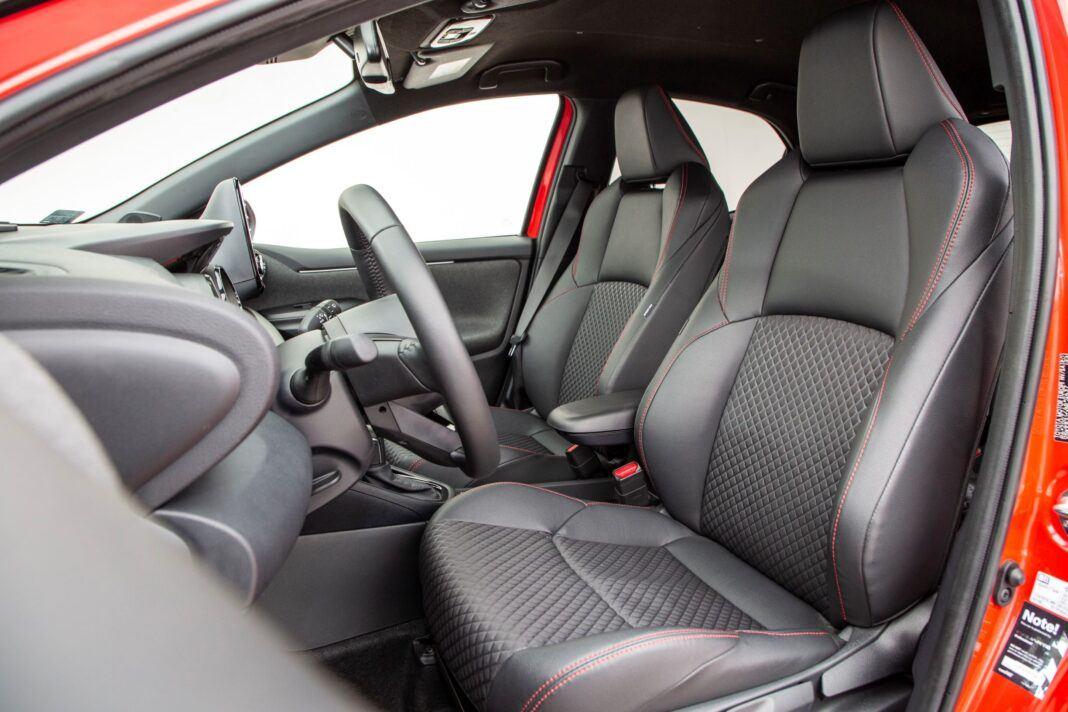 Toyota Yaris - fotele
