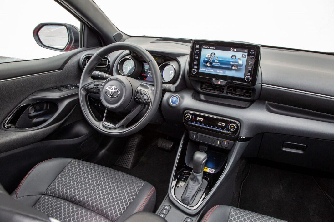 Toyota Yaris - kokpit