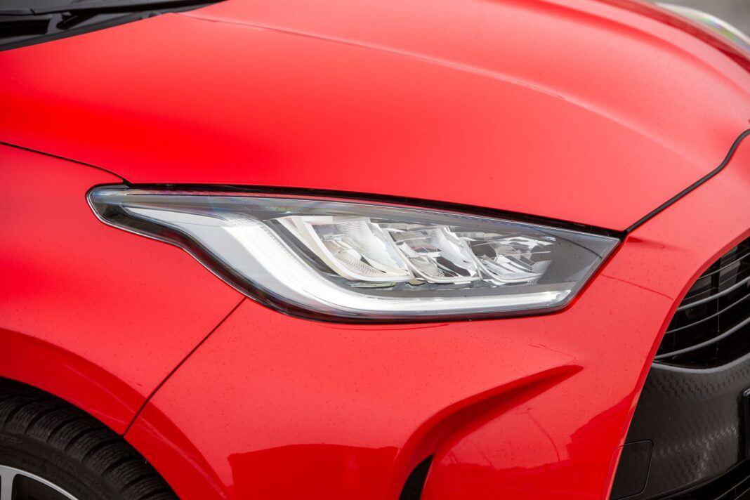 Toyota Yaris - swiatło