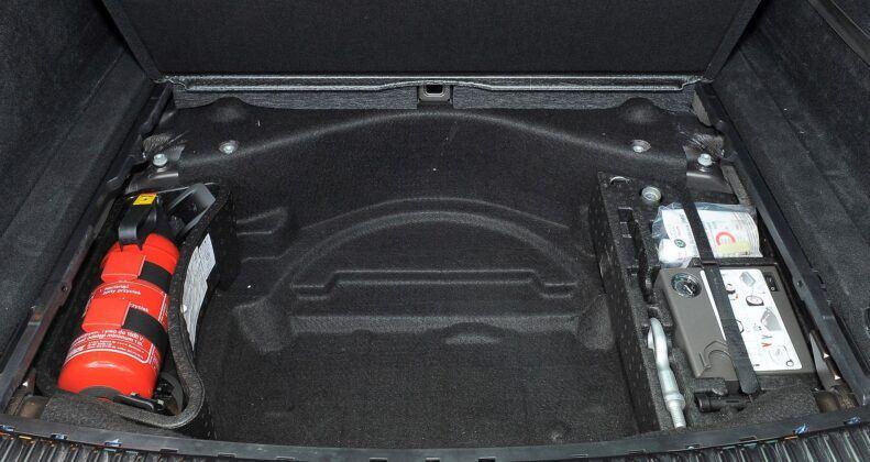 Volkswagen Touareg II schowek