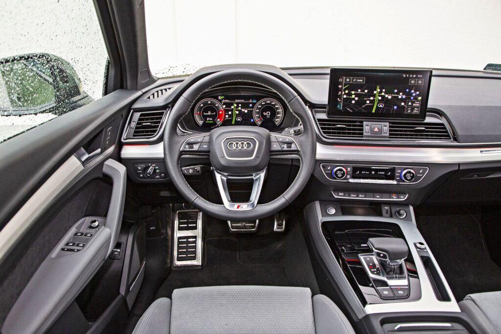 Audi Q5 - deska rozdzielcza