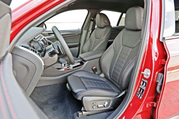 BMW X4 - przednie fotele