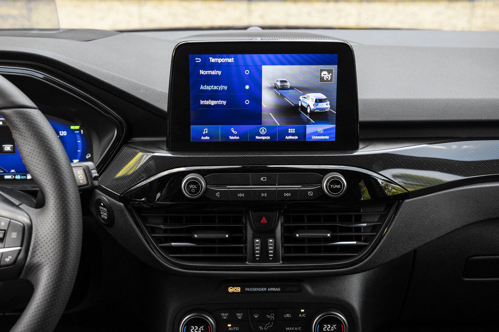 ford kuga plug-in hybrid 2021 systemy wspomagające