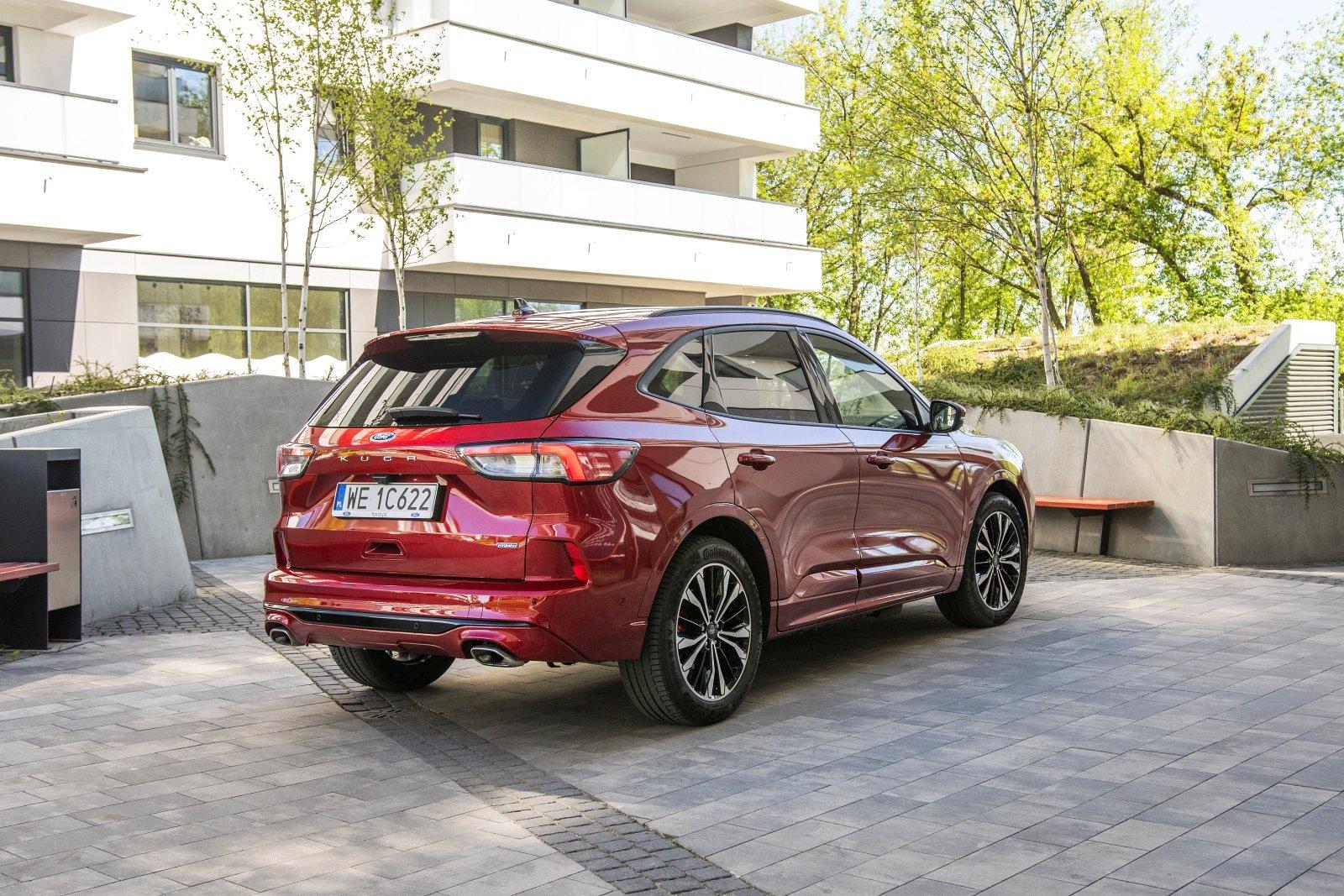 ford kuga plug-in hybrid 2021 test 01
