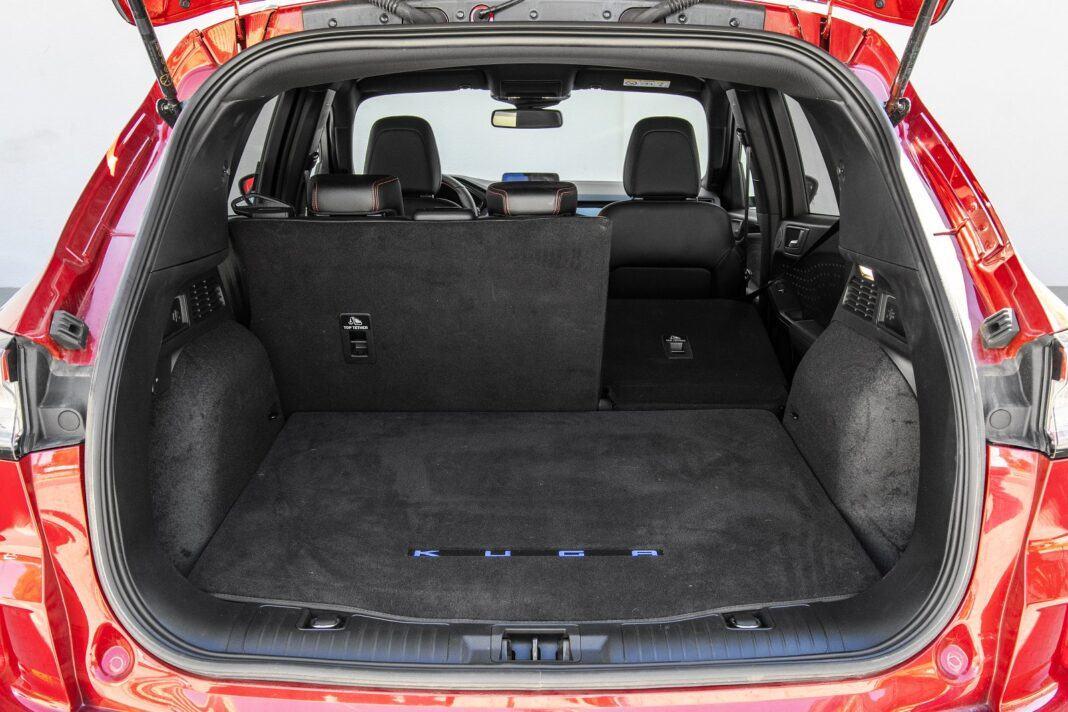 ford kuga plug-in hybrid hybryda 2021 test bagażnik