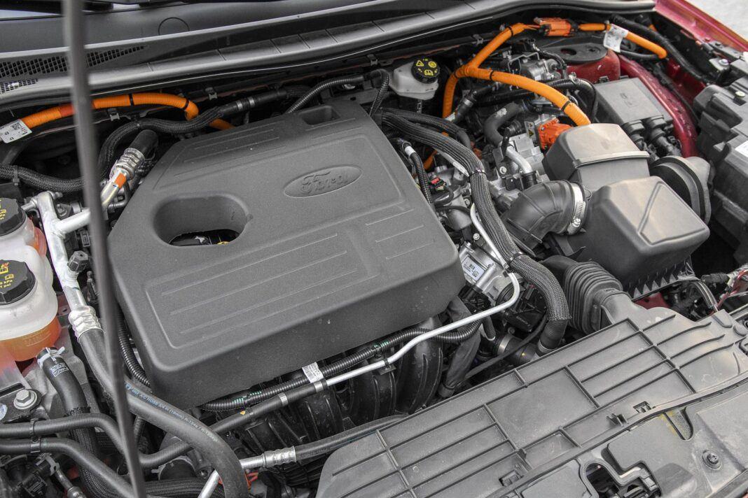 ford kuga plug-in hybrid hybryda 2021 test silnik benzynowy