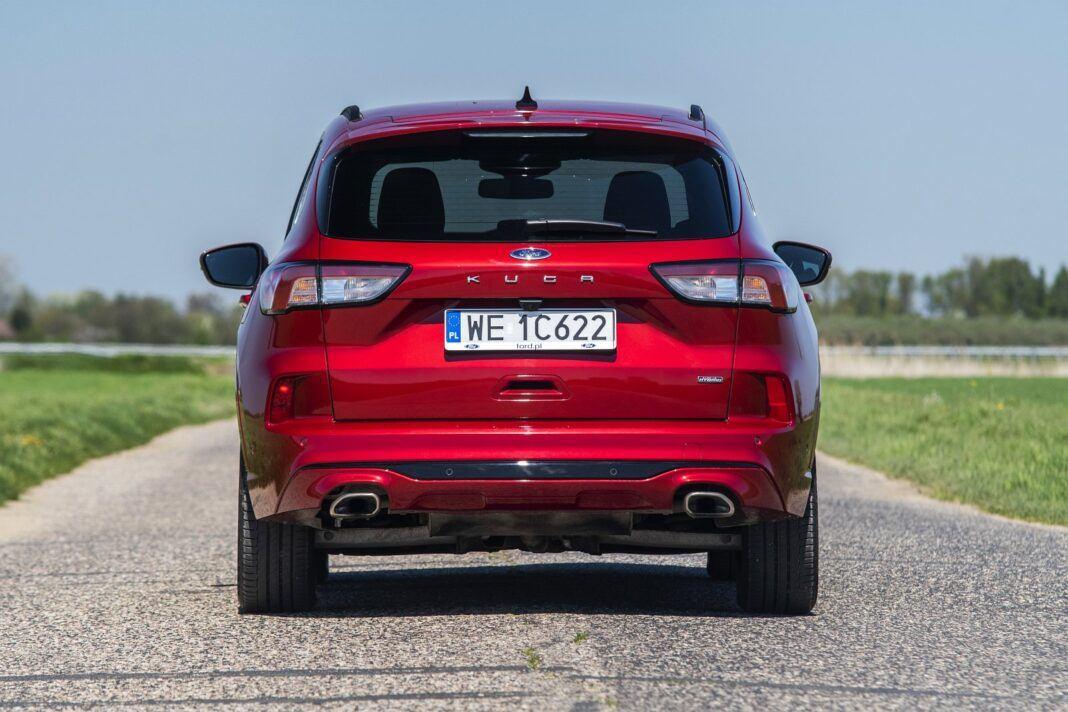 ford kuga plug-in hybrid hybryda 2021 test tył 01