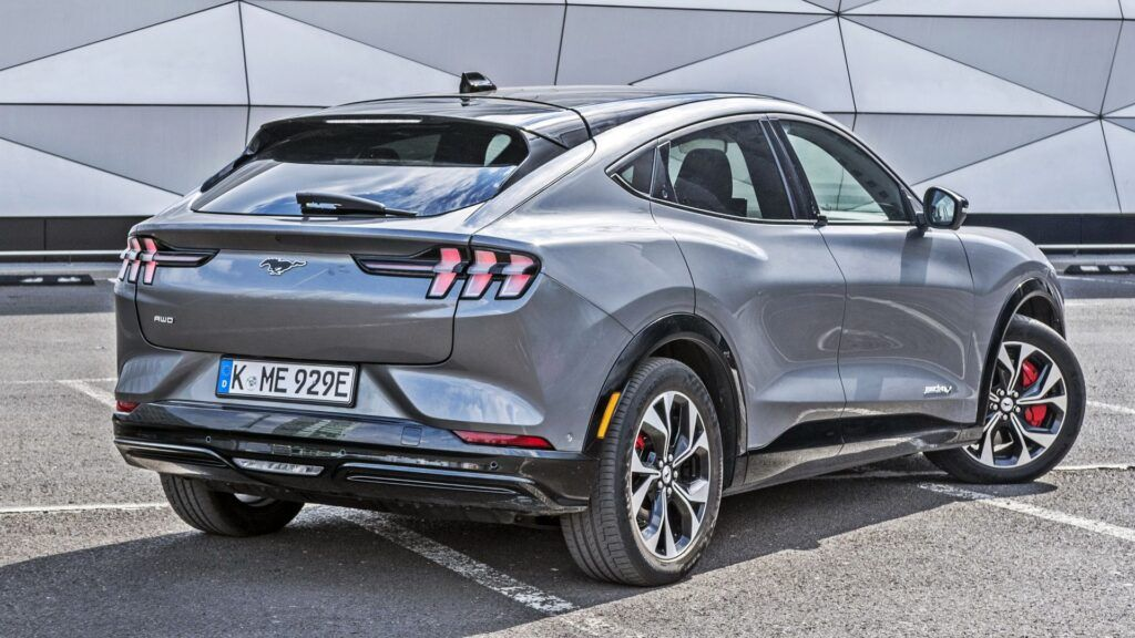 Ford Mustang Mach-E - tył