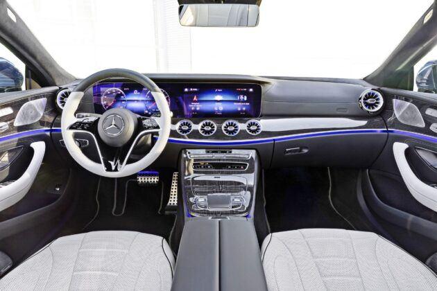 Mercedes CLS - deska rozdzielcza