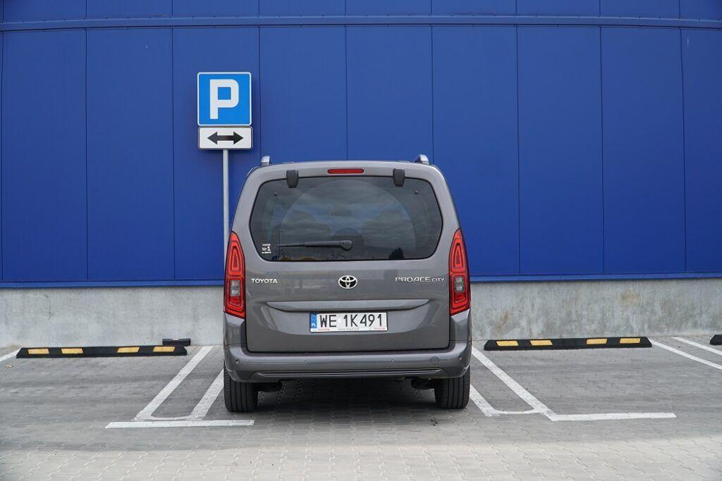 Parkowanie przodem