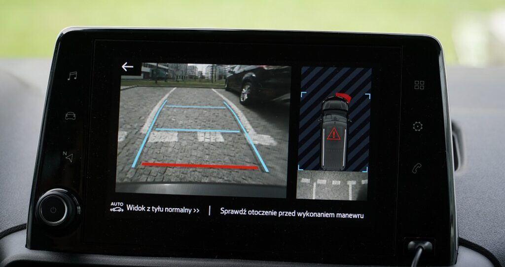 Kamera cofania z aktywnymi liniami