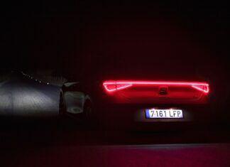Co producenci samochodów robią w nocy?