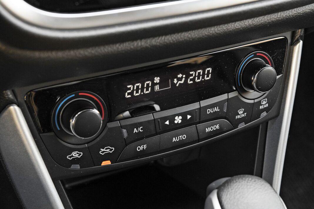 Suzuki SX4 S-Cross Hybrid - klimatyzacja