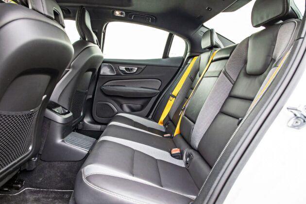 Volvo S60 - tylna kanapa