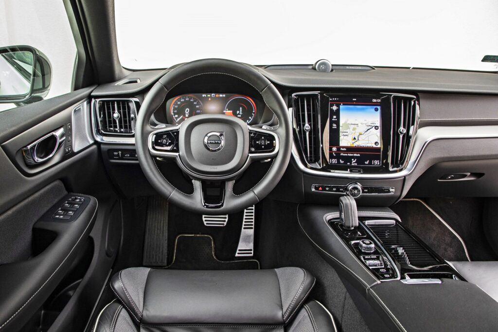 Volvo S60 - deska rozdzielcza