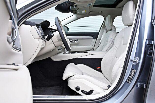 Volvo S90 - fotele przednie