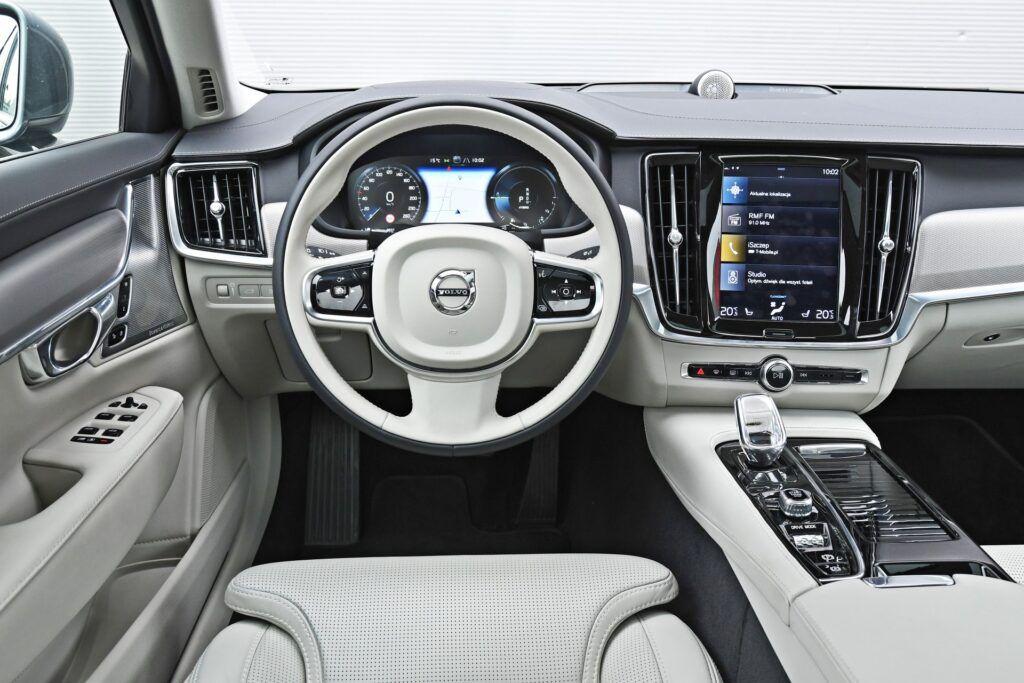Volvo S90 - deska rozdzielcza