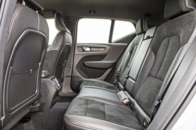 Volvo XC40 Recharge P8 - tylna kanapa