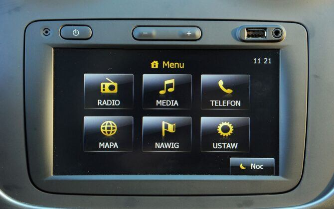 Dacia Sandero II ekran