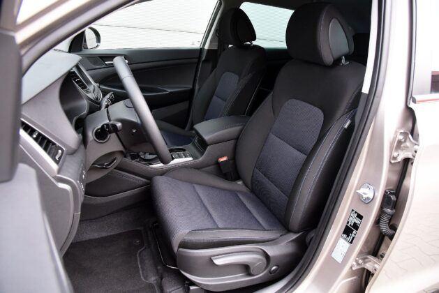 Hyundai Tucson III TL fotel kierowcy (2)