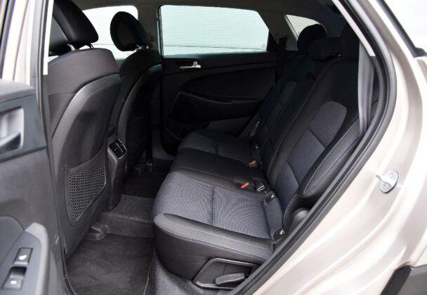Hyundai Tucson III TL kanapa (2)