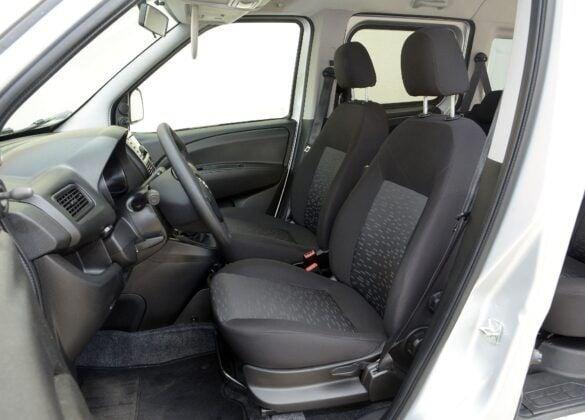Opel Combo D fotel kierowcy