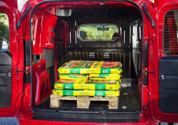 Opel Combo D przestrzeń ładunkowa