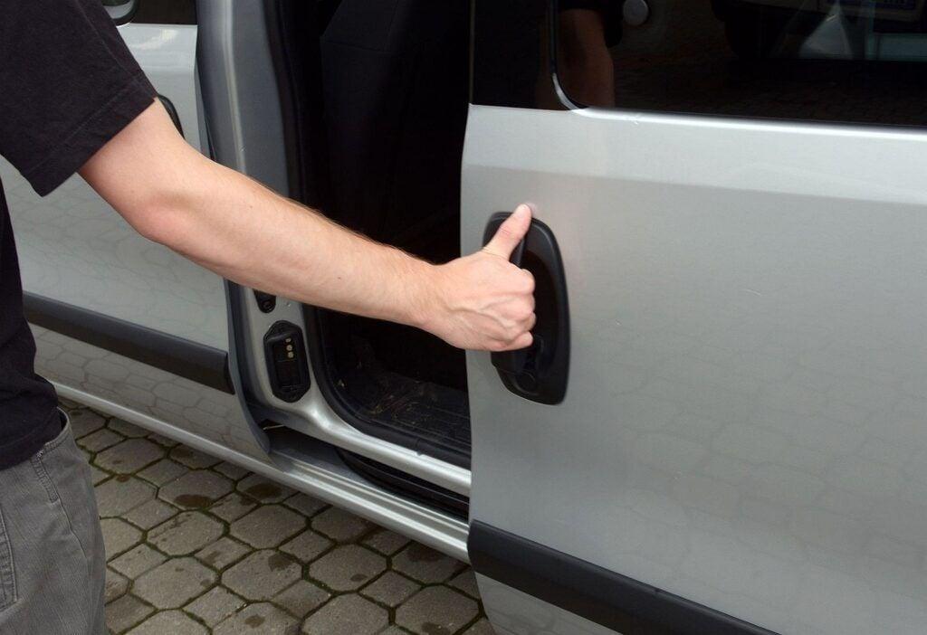 Opel Combo D przesuwane drzwi