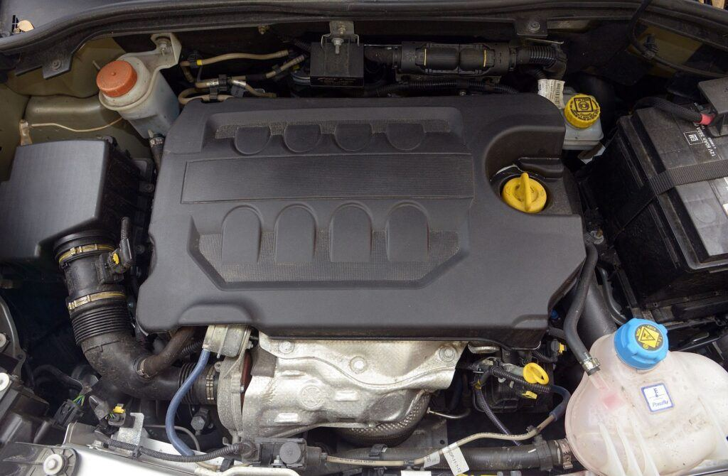 Opel Combo D silnik